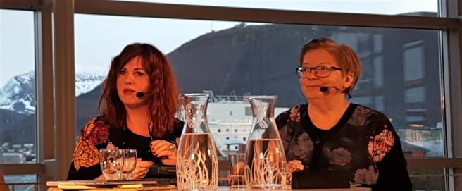 Forfatter Rita Sørly og forfatter, oversetter og forlegger Rauni Magga Lukkari under Ordkalotten Tromsø internasjonale litteraturfestival 2018. Foto: Hilde Kat. Eriksen